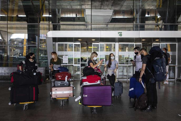 A l'aéroport international Adolfo Suarez-Barajas, près de Madrid, le 21 juin.