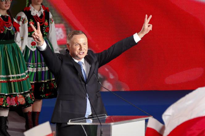 Andrzej Duda, le président polonais sortant, à Lowicz, dimanche 28 juin.