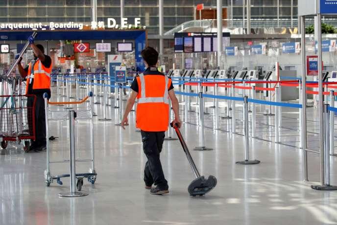 Réouverture partielle de l'aéroport d'Orly, dans le sud de Paris, le 24 juin.