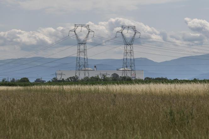 Vue de la centrale nucléaire de Fessenheim, quelques jours avant son arrêt definitif.