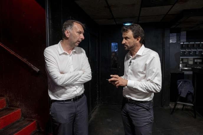Le nouveau président de la métropole de Lyon, Bruno Bernard, et le nouveau maire écologiste, Gregory Doucet, lors de leur victoire, le 28 juin à Lyon.