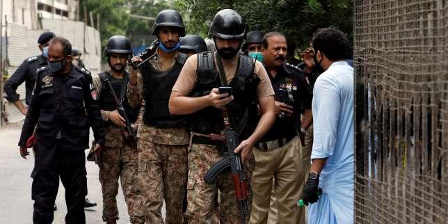 Au Pakistan, une attaque contre la Bourse de Karachi fait au moins 6morts thumbnail