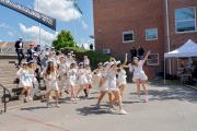 Au lycée Polhem de Lund, en juin, à l'arrivée de la traditionnelle « course » devant les familles.