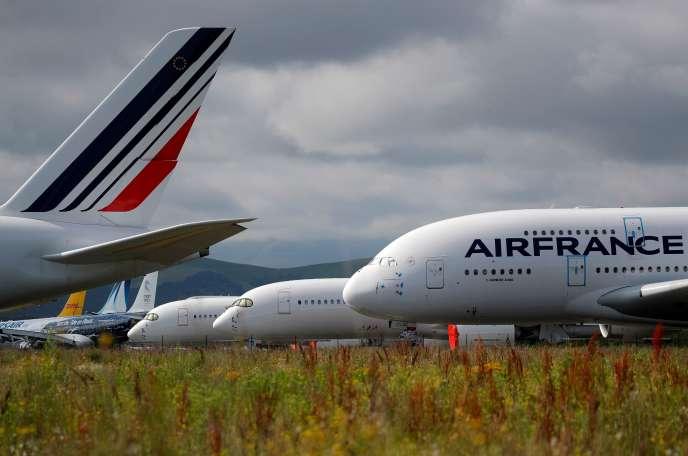 Un Airbus A380 d'Air France à l'aéroport de Tarbes-Lourdes-Pyrénées, le 19 juin.