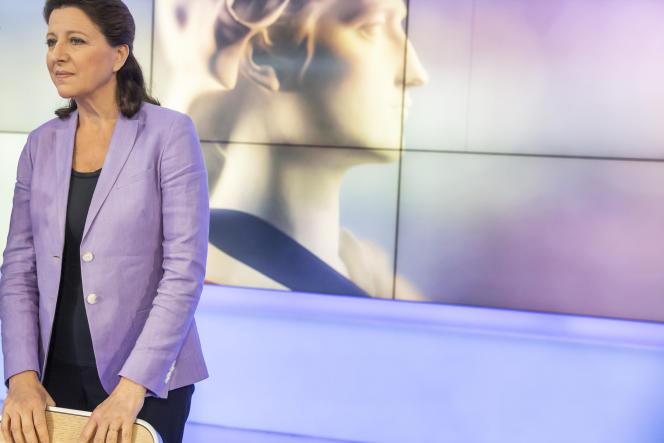 Agnès Buzyn participe à un débat avant le 2e tour des élections municipales de Paris sur le plateau de France 3 Ile-de-France à Paris, le 17 juin.