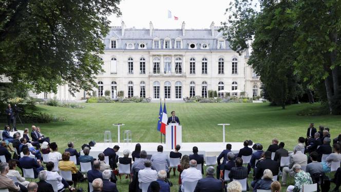 Le président français, Emmanuel Macron, lors de son discours devant une partie des membres de la convention citoyenne pour le climat, à l'Elysée, le 29 juin 2020.