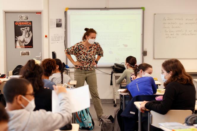 Dans un collège de Boulogne-Billancourt, Hauts-de-Seine, le 22 juin.