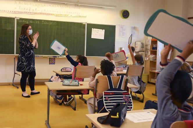 Le jour de la rentrée des classes après le confinement, à l'école élémentaire Ziegelau à Strasbourg, le 22 juin.