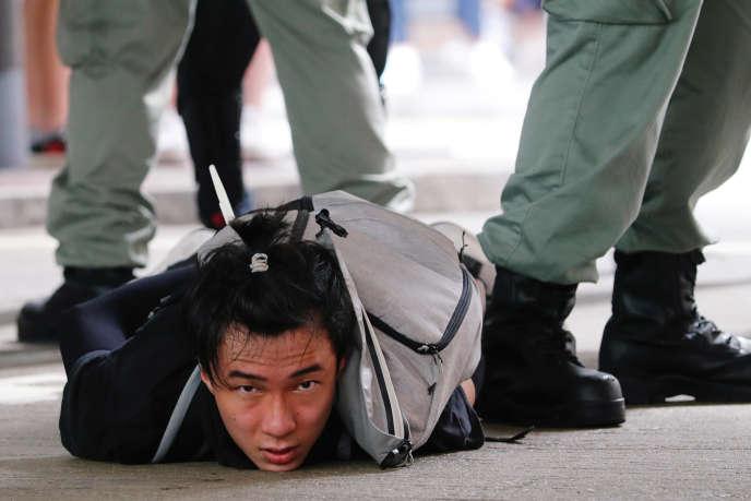 La mise au pas de Hongkong, défi au monde occidental