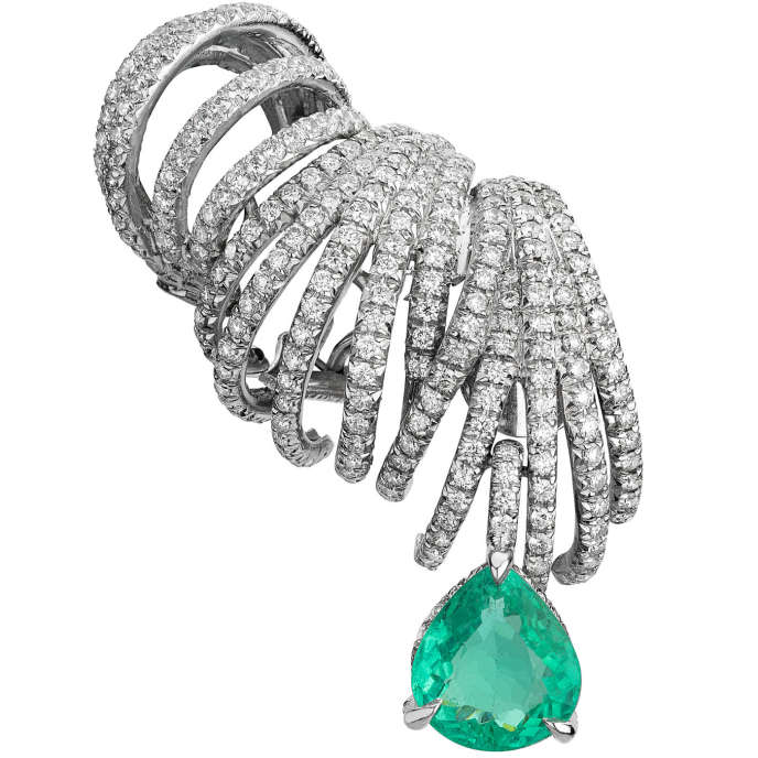 Boucle d'oreille Delphine, en tourmaline Paraiba et diamants, Ana Khouri.