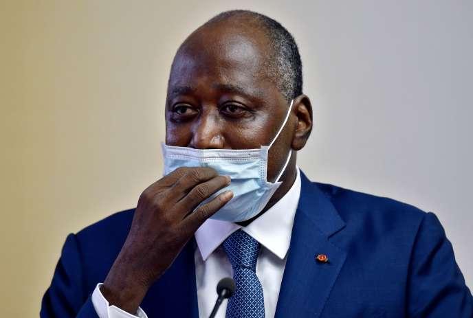 Le premier ministre ivoirien, Amadou Gon Coulibaly, lors de son retour à Abidjan, le 2 juillet, après s'être fait soigner en France pendant deux mois.