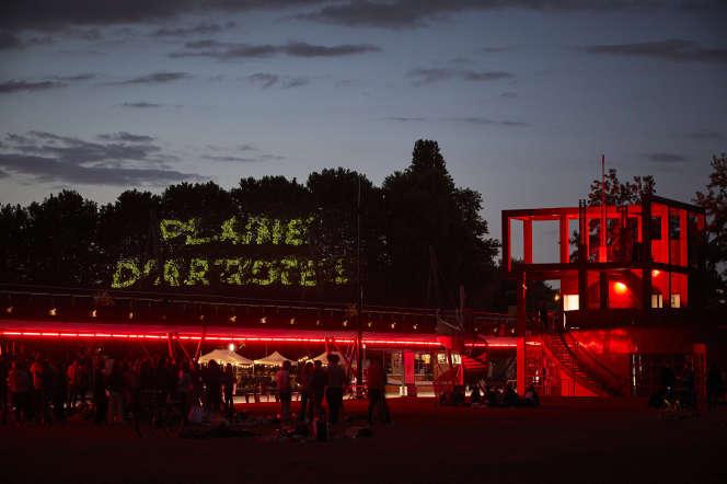 La manifestation « Plaine d'artistes» se tient au parc deLa Villette, à Paris, du 2 juillet au 2 août.