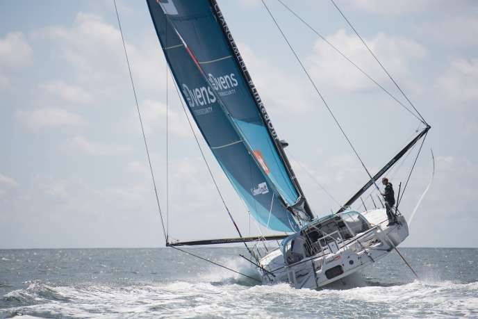 Thomas Ruyant, à bord de son monocoque «LinkedOut», le 3 juillet au large de Lorient.