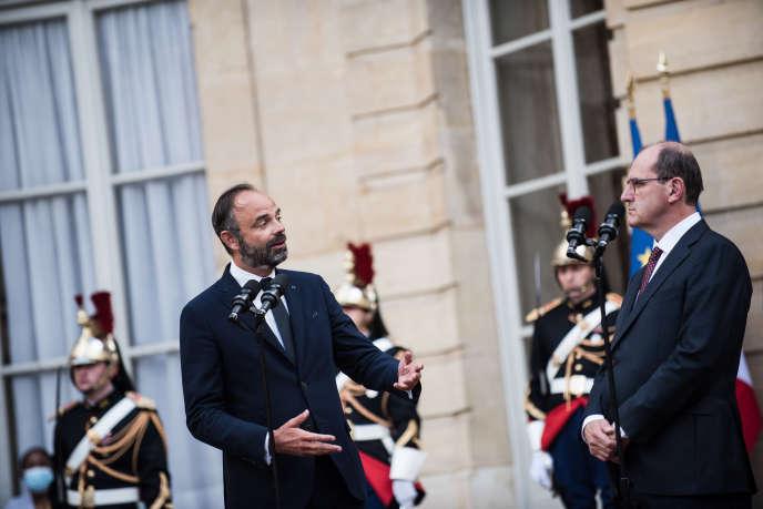 Passation des pouvoirs à Matignon entre le premier ministre sortant, Edouard Philippe, et son successeur, Jean Castex, le 3 juillet 2020.