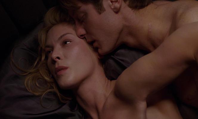 Deborah Kara Unger,et James Spader dans« Crash» de DavidCronenberg.