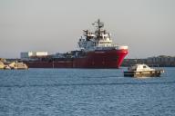 Le navire humanitaire Ocean Viking arrive le 6 juillet dans le port d'Empedocle, en Sicile.