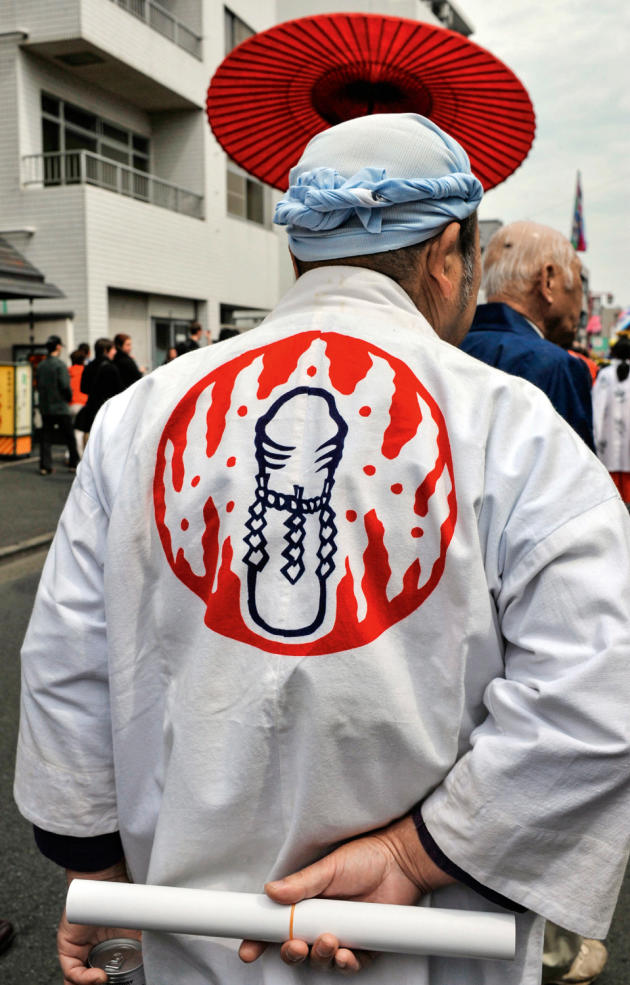 En 2009, un festivalier en tenue traditionnelle.