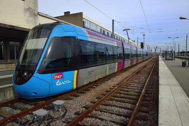 Un train TER en gare de Nantes (Loire-Atlantique).