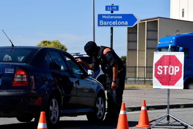 Checkpoint sur la route de Lérida, le 4 juillet.
