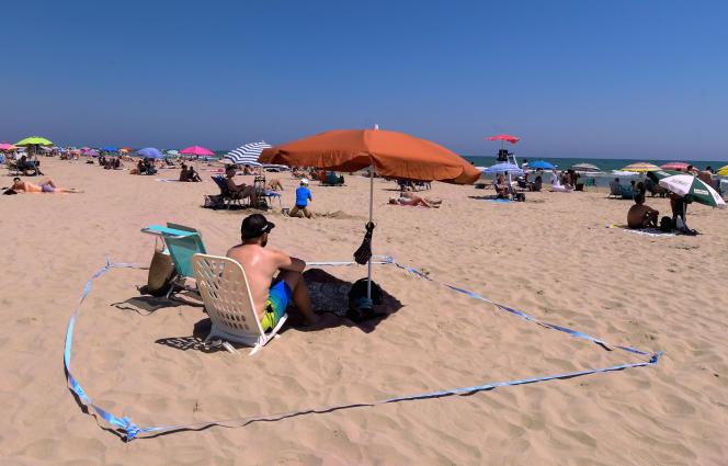 Sur la plage de Gandia, en Espagne, le 1erjuillet 2020.