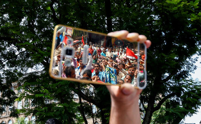 Manifestation pour dénoncer le traitement réservé à la caste des dalits, à Bombay, en août 2016.