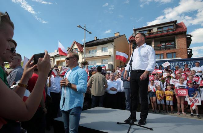 Le président polonais, Andrzej Duda, lors d'un meeting à Starachowice, dans le sud de la Pologne, le 6 juillet.