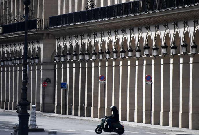 Motos et scooters redoutent d'être « bannis » de Paris