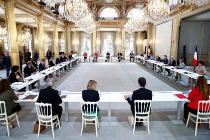 Emmanuel Macron, Jean Castex et l'ensemble des ministres pour leur premier conseil des ministres, le 7 juillet, à l'Elysée.