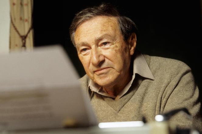 L'écrivain Serge Doubrovsky (en 2002), personnage central du roman de Cécile Balavoine«Une fille de passage».