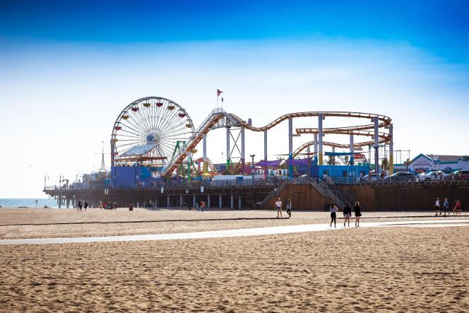 La plage de Santa Monica, sa jetée et son parc d'attractions, en 2018.