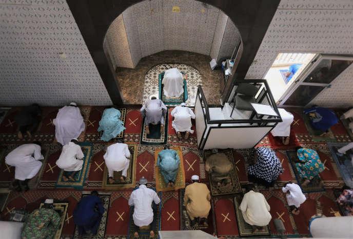 Mosquée du quartier d'Adjame, à Abidjan, le 23 mai 2020.