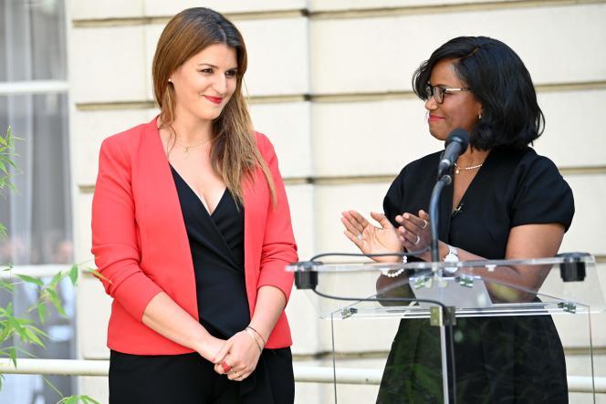 Passation des pouvoirs entre Marlène Schiappa et Elisabeth Moreno, le 7 juillet.