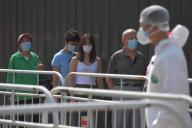A Pékin, le 30 juin. Environ la moitié de la population de la ville a bénéficié d'un test de dépistage au coronavirus.