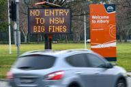 Par ailleurs, depuis mardi minuit, l'Etat de Victoria est isolé du reste du pays après la fermeture de ses frontières