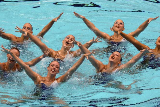En avril 2007, l'équipe de natation synchronisée de Stanford,lors des championnats des Etats-Unis à Indianapolis.