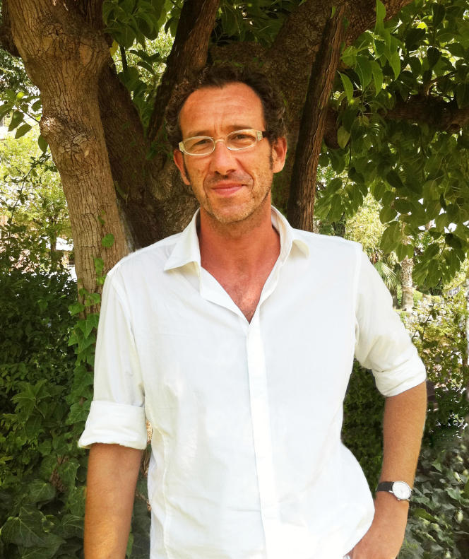 L'écrivain espagnolRicardo Menendez Salmon, à Barcelone, en 2012.