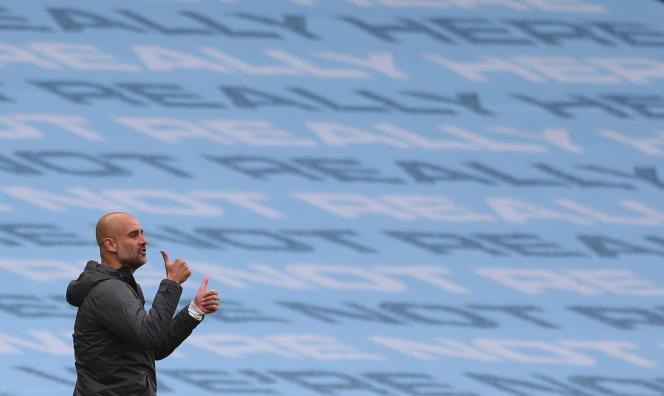 Manchester City, et son entraîneur, Pep Guardiola, sont encore en lice cette année dans la Ligue des champions. L'équipe affrontera le Real Madrid en match retour des 8es de finalele 7 août.