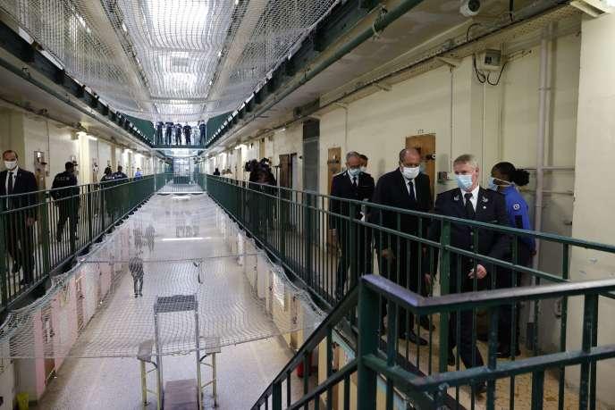Le ministre de la justice,Eric Dupond-Moretti, lors d'une visite à la prison de Fresnes (Val-de-Marne), le 7juillet.