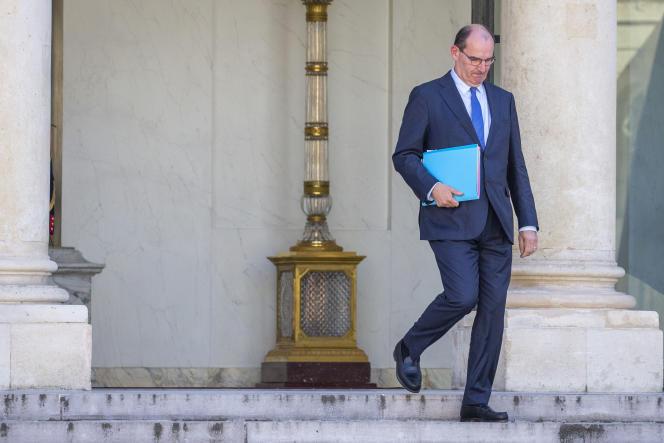 Jean Castex, chef du gouvernement, sort de son premier Conseil des ministres à l'Elysée, le mardi 7 juillet 2020, à Paris.