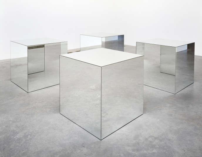 «Untitled (Mirrored Cubes)» (1965-1971), de Robert Morris.