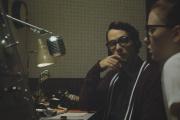 Fay (Sierra McCormick) et Everett (Jake Horowitz) dans«The Vast of Night» de Andrew Patterson.