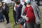 Sur plusieurs milliers de cas d'enfants nés de mères souffrant du Covid-19, pas plus de 2 % ont été testés positifs au virus.