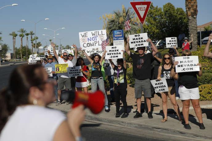 Manifestation contre le port obligatoire du masque dans les espaces publics, à Henderson dans le Nevada, le 8 juillet.