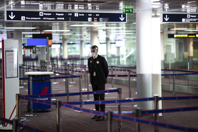 Au terminal 2 de l'aéroport Charles-de-Gaulle, à Roissy (Val-d'Oise), le 12 mai.