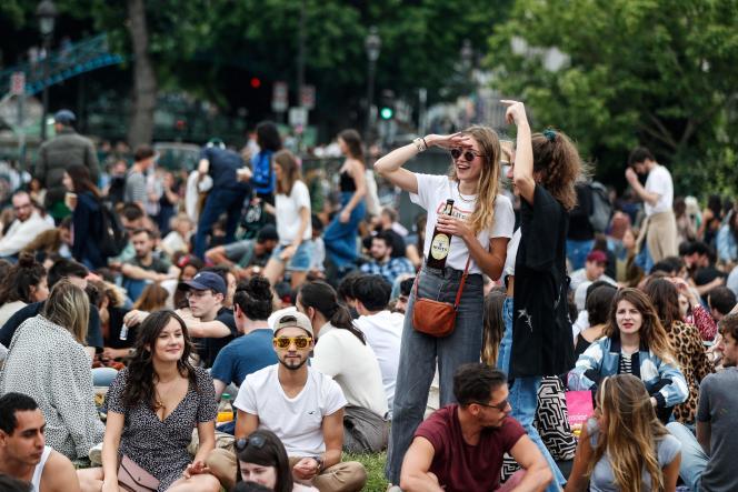 Fête de la musique, le 21 juin, à Paris.