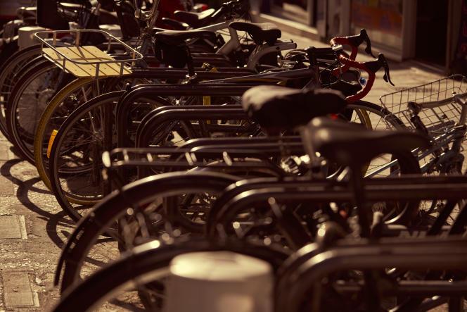 Parking de vélos, gare du Nord, à Paris, le 8 juillet.
