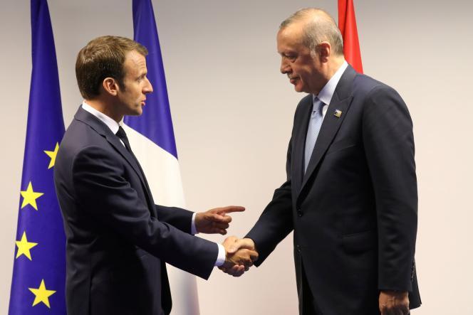 Emmanuel Macron et son homologue Recep Tayyip Erdogan lors du sommet de l'OTAN à Bruxelles, en juillet 2018.
