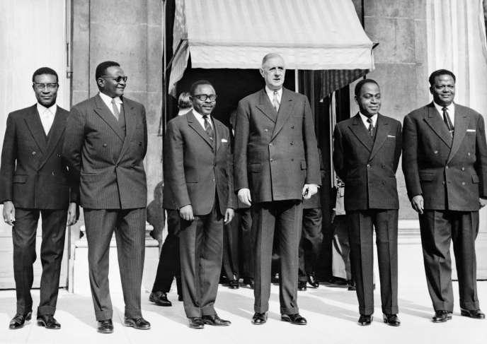 Le 8 mars 1961 à l'Elysée, à Paris, entourant le président français Charles de Gaulle : le président du Parlement ivoirien Philippe Yace, puis les présidents du Niger, Hamani Diori ; de la Haute-Volta (futur Burkina) Maurice Yameogo ; de la Côte d'IvoireFélix Houphouët-Boigny ; et du Dahomey (futur Bénin) Hubert Maga.