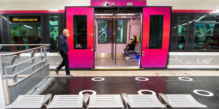 Mardi 12 mai 2020. Covid 19. Déconfinement en gare de Paris-Nord. Gare banlieue de surface.