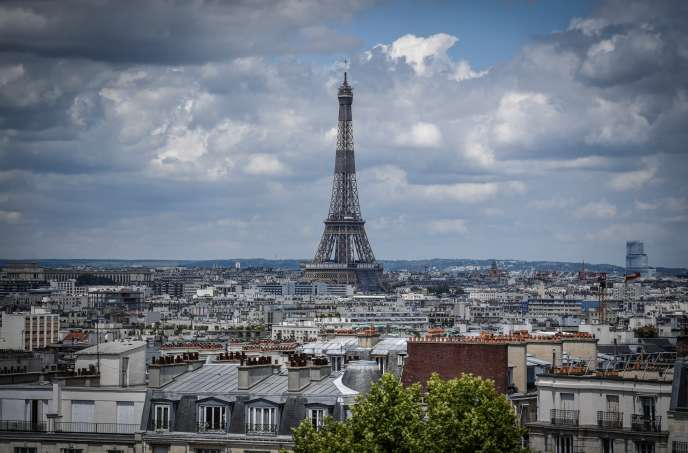 Vue sur la tour Eiffel, à Paris, le 15 juin.